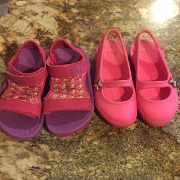 a398ab62b44b Little girl water shoes in size 11. M 5a64c3093a112e7b39d2b782